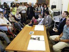 Lance Armstrong at Motol hospital, photo: CTK