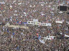 Proteste gegen Premier Babiš (Foto: ČTK / Ondřej Deml)