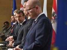 De derecha: Bohuslav Sobotka, Christian Kern, Emmanuel Macron y Robert Fico, foto: ČTK