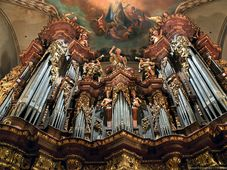 L'orgue de la basilique Saint-Jacques-Le-Majeur, photo: Anton Fedorenko, CC BY-SA 3.0