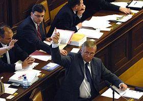Premiér Mirek Topolánek při hlasování oreformě veřejných financí, foto: ČTK