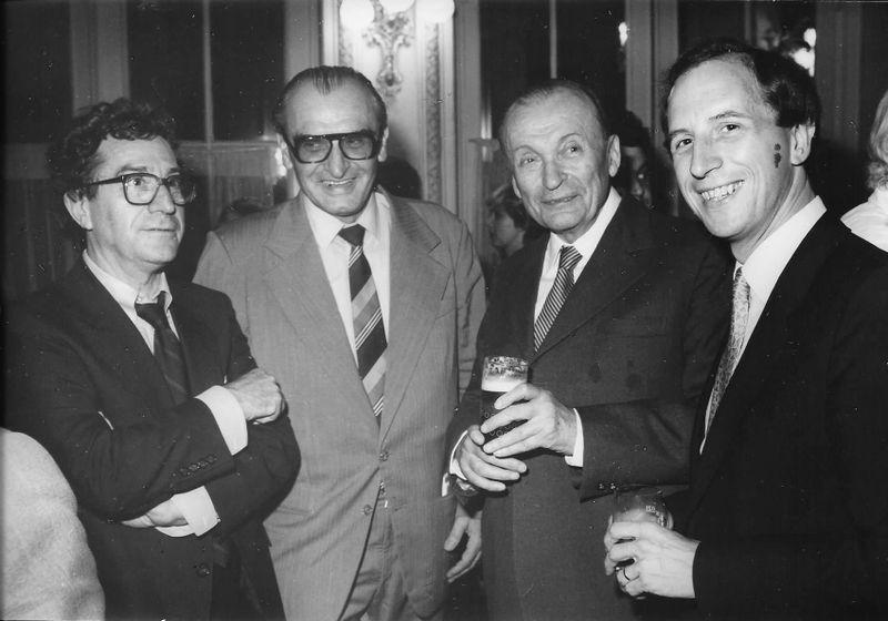 1982: ouverture du Festival de Karlovy Vary, Jean-Louis Leprêtre (à droite) avec M. Pointrenaud de Unifrance-Films (à gauche), photo: Archives de Jean-Louis Leprêtre