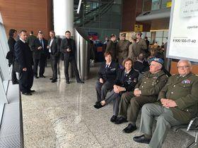 В аэропорту «Шереметьево» был задержан на несколько часов чешский правительственный самолет, в чешской делегации - 40 человек (Фото: Петр Газдик)