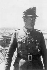 Le général Schörner, photo: Bundesarchiv, Bild 183-L29176 / CC BY-SA 3.0 Unported