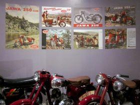 Affiches publicitaires Jawa, photo: Anaïs Raimbault