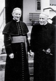 Josef Beran (rechts) während der Internierung in Mukařov (Foto: Archiv der Tschechischen Kongregation der Schwestern Dominikanerinnen)