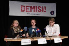 L'organisation Un million de moments pour la démocratie, photo: ČTK / Ondřej Deml
