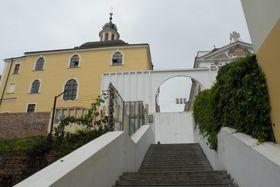 Schodiště ubarokního kostela Nanebevzetí Panny Marie zroku 1909, foto: Andrea Fajkusová