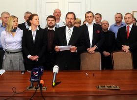 Radek John a annoncé la décision de se séparer de Jaroslav Škárka, photo: CTK