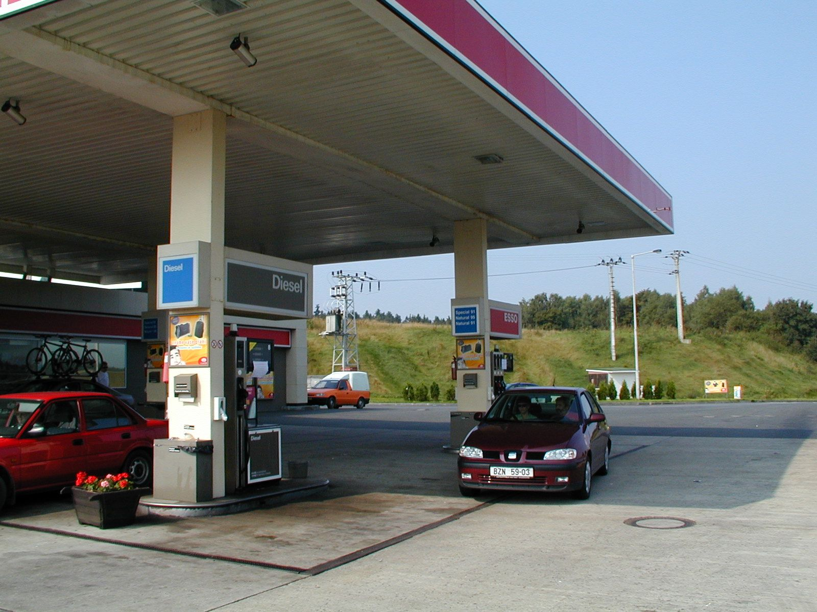 Petrol stations introduce monitoring system to spot stolen