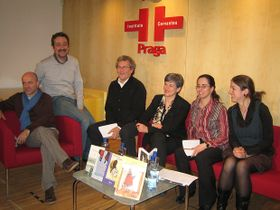 Kepa Murua, Alex Oviedo, Seve Calleja, Luisa Etxenike y las traductoras del IC