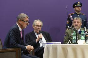 Zleva premiér Andrej Babiš, prezident Miloš Zeman anáčelník generálního štábu Aleš Opata, foto: ČTK/Deml Ondřej