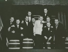 Arnošt Kavka (au milieu), photo: Archives de Popmuseum