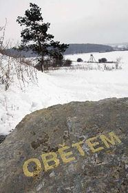 A memorial stone to WWII victims, photo: CTK