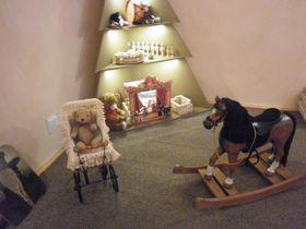 Děti si na výstavě mají možnost pohrát sreplikami dobových hraček, foto: Zdeňka Kuchyňová
