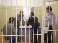 Nový služební zákon o třetinu zvedne platy policistů, vězeňské služby ...