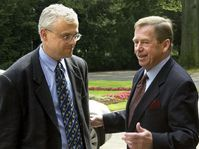Vladimir Spidla y Vaclav Havel, foto: CTK