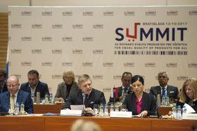 Les chefs de gouvernement des quatre pays du Groupe de Visegrád étaient réunis à Bratislava, photo: ČTK
