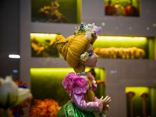 Josef Lamka - The Flower Queen from The Kingdom of Flowers, photo: Břetislav Oliva / Chrudim Puppetry Museum