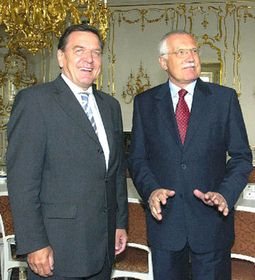 Gerhard Schroeder and Vaclav Klaus, photo: CTK