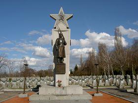 Захоронение солдат Красной армии, Ольшанское кладбище, Прага Фото: Dezidor, CC BY-SA 3.0