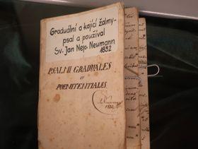 Heft mit lateinischen Psalmen (Foto: Martina Schneibergová)