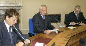 Ministr vnitra Stanislav Gross (vlevo), foto: ČTK